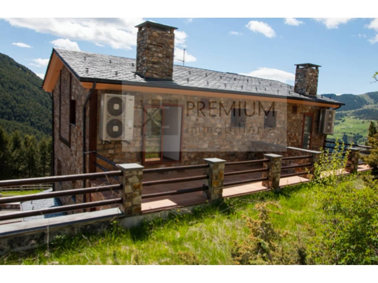 Casa adosada en venda en El Forn