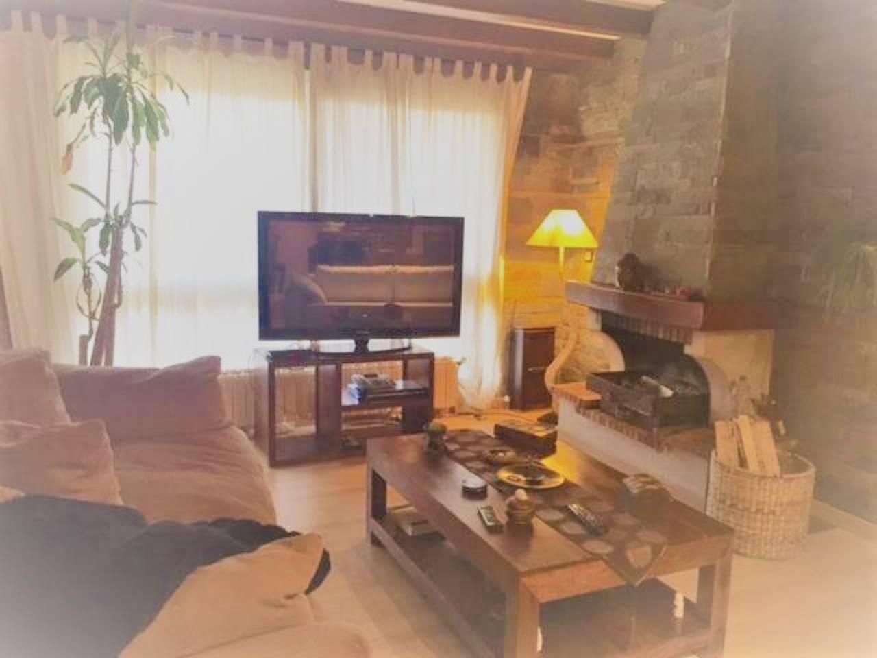 Casa adosada en venda en Aixirivall