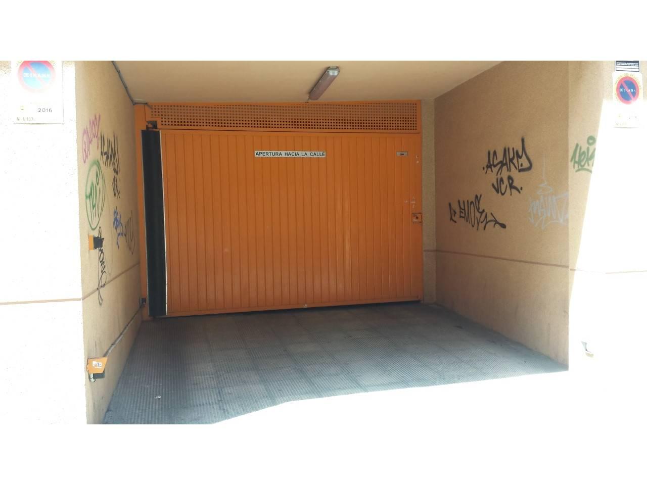 Venta de garaje en mercado alicante for Compra de garaje