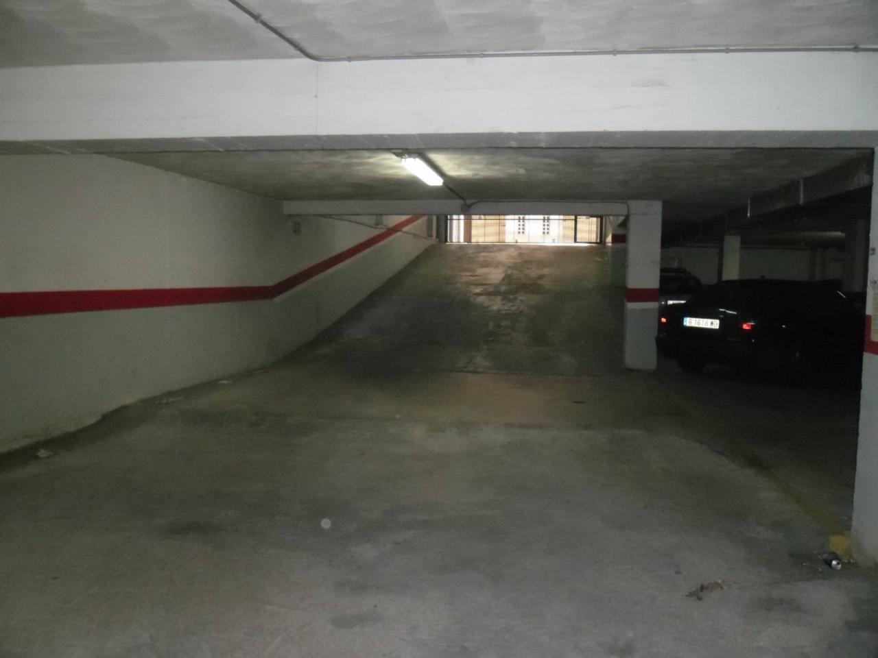 Parking en PARADA DE AUTOBUS