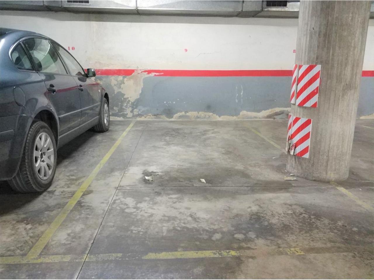 Parking en PLAÇA DE L´ EXCURSIONISME (Manresa)