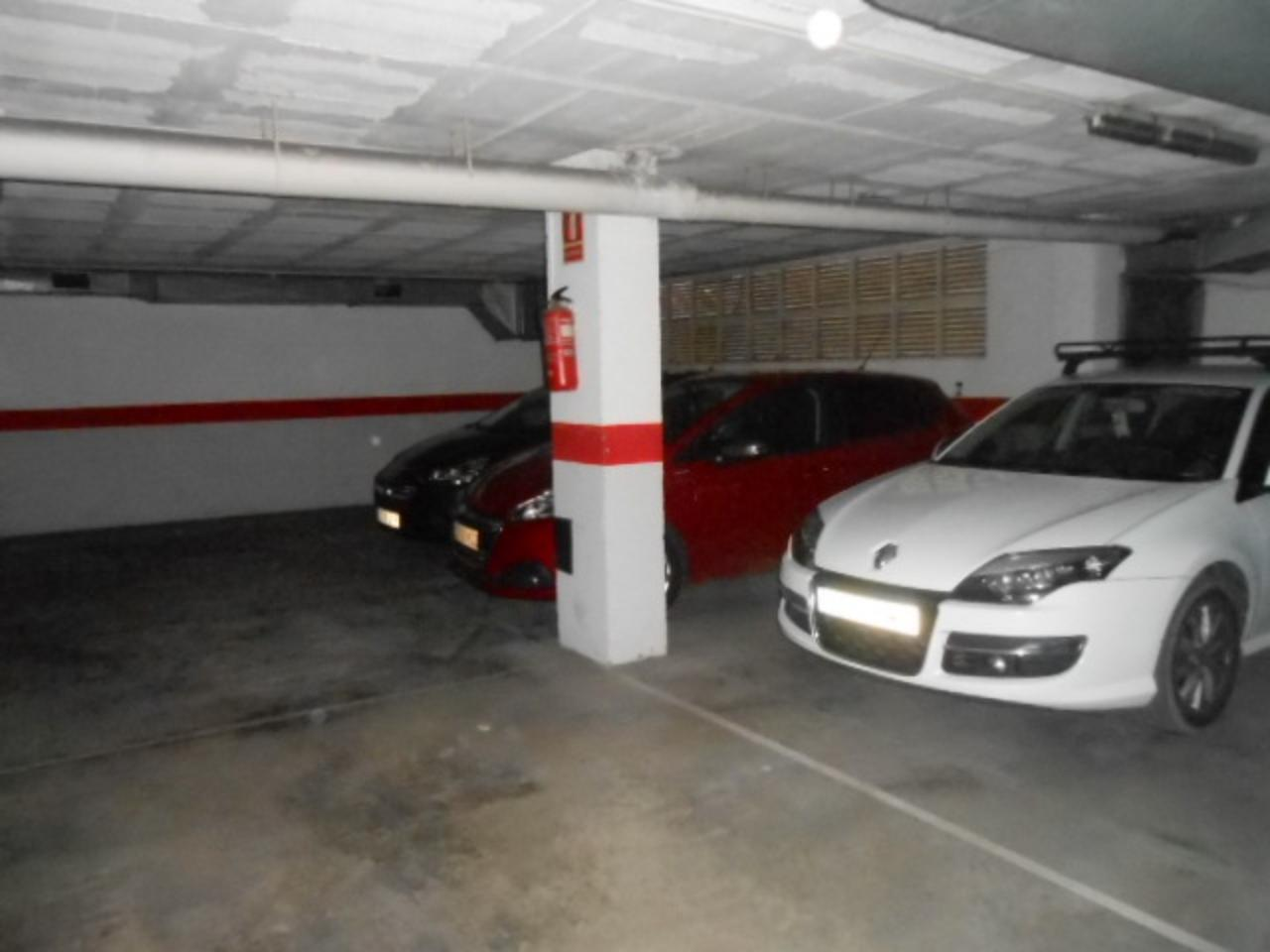 Parking en ZONA IGLESIA