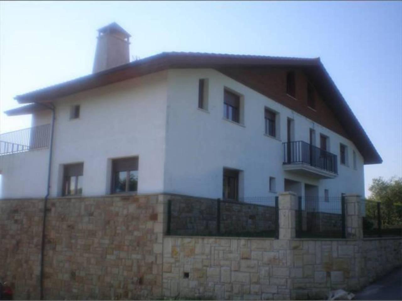 Casa en venta con 500 m2, 5 dormitorios  en Uribarri (barrutia) (Bilba