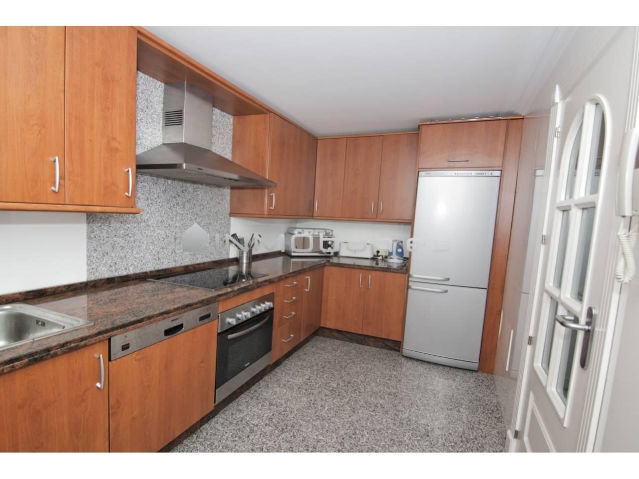 Casa en venta con 232 m2, 3 dormitorios  en Cancelada