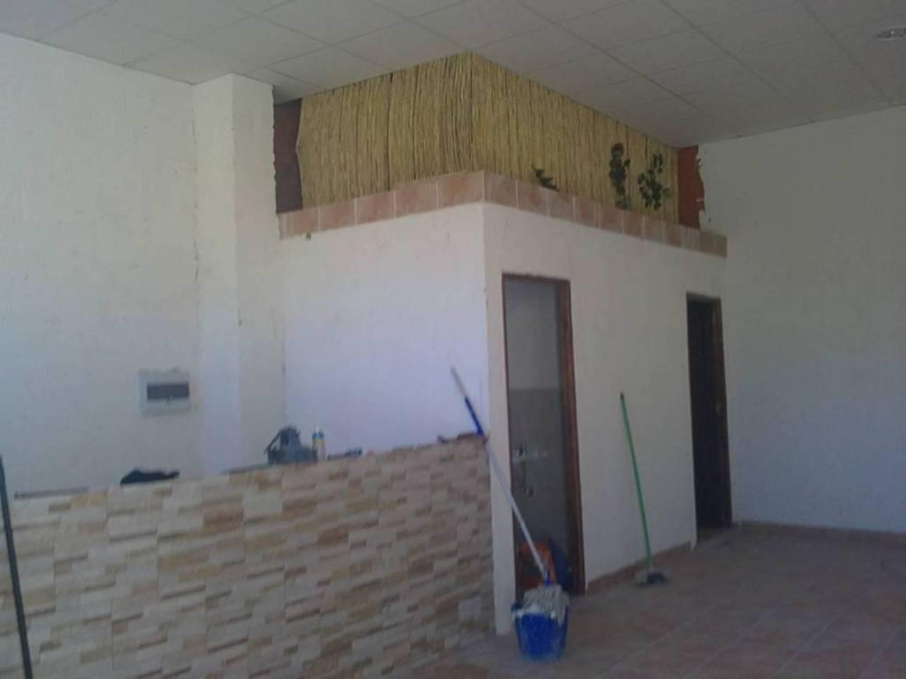 Local en alquiler con 120 m2,  en Alcalá de Guadaíra, BECA