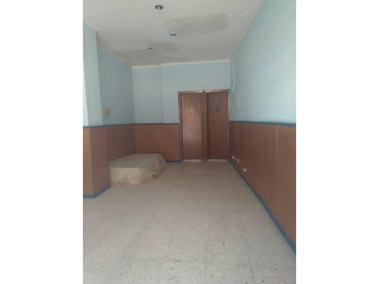 Local en alquiler con 27 m2,  en Alcalá de Guadaíra, EL PUNTO