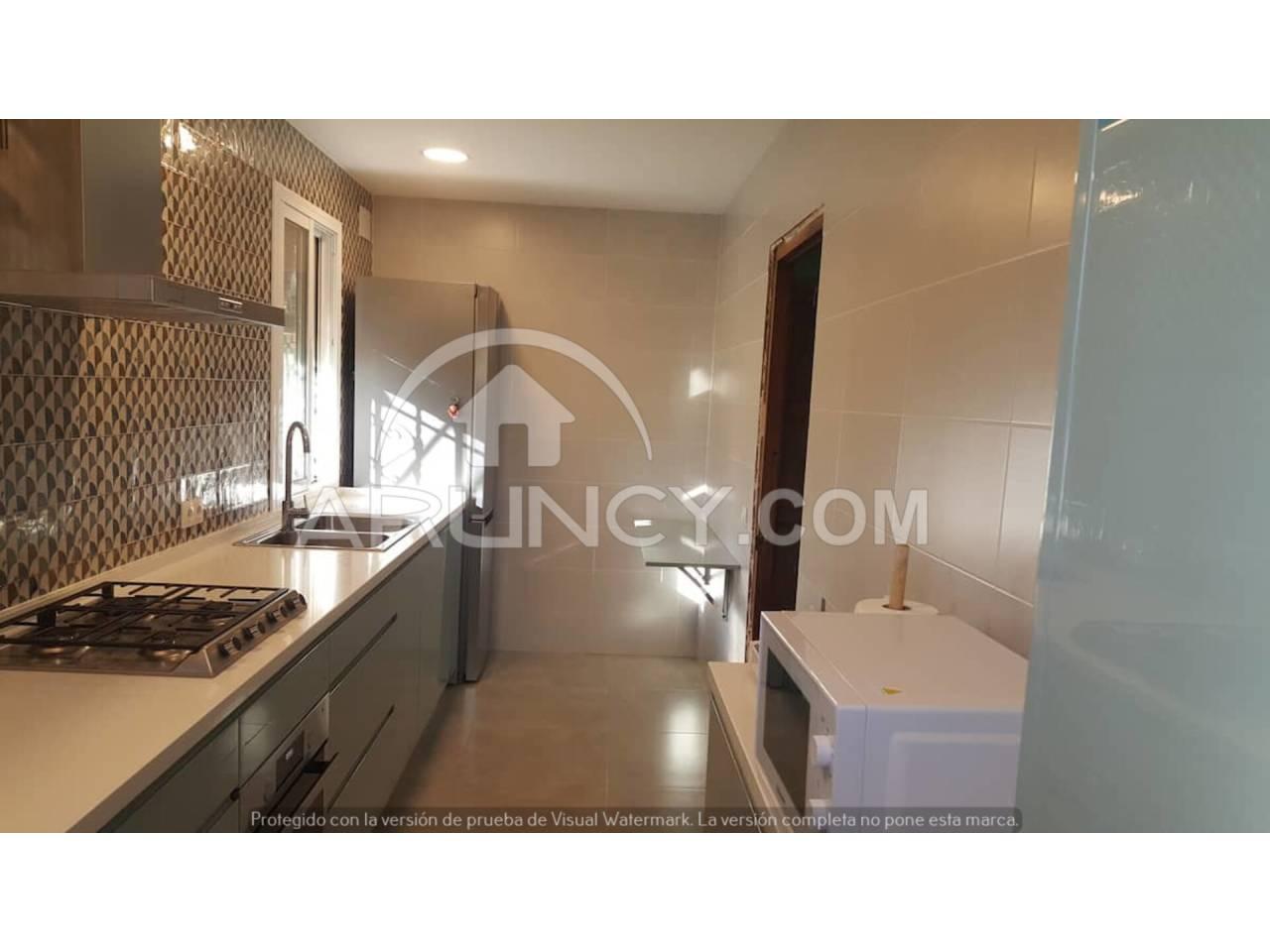 Casa en alquiler con 250 m2, 5 dormitorios  en Alcalá de Guadaíra, LAS