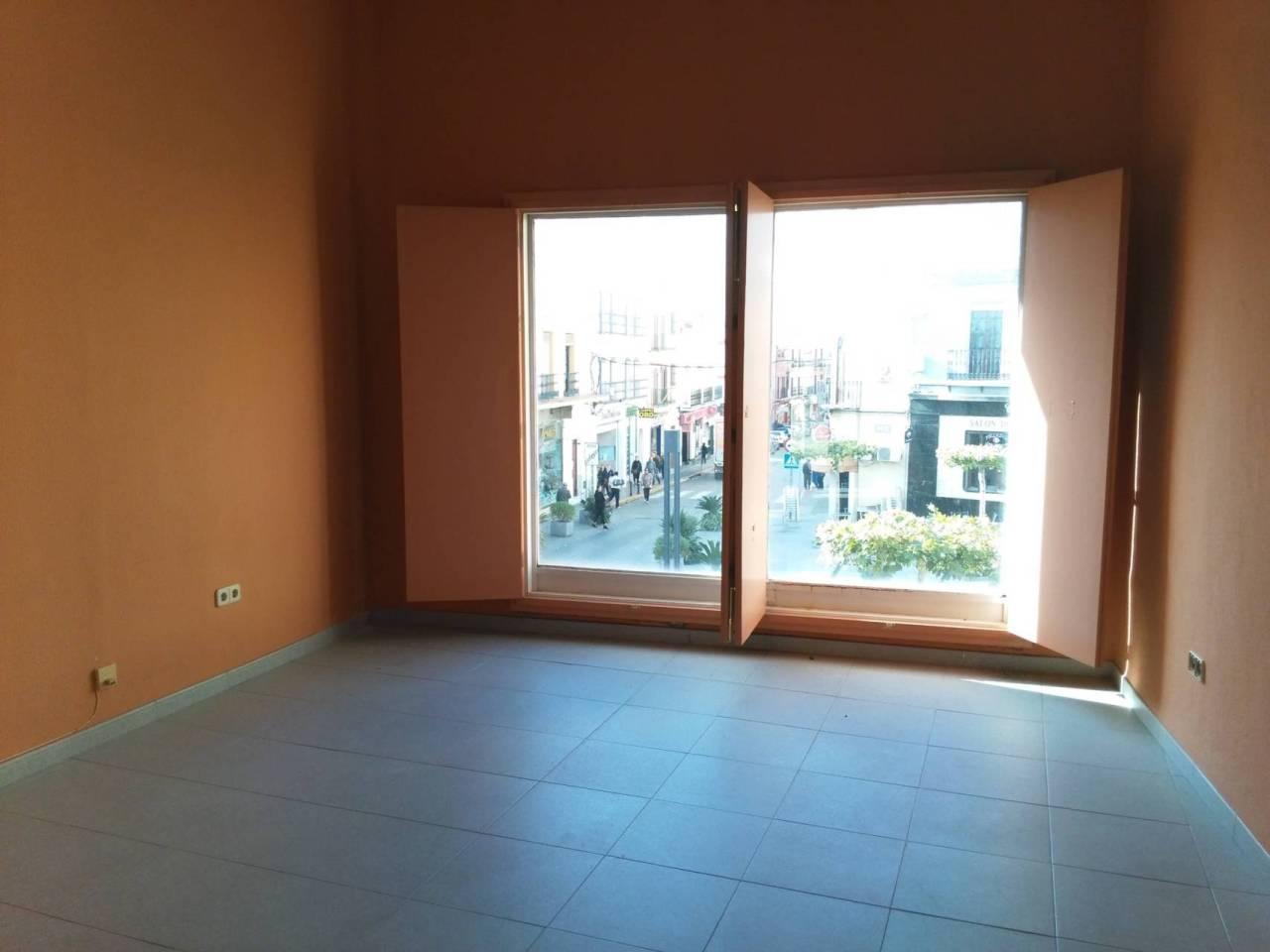 Local en alquiler con 80 m2,  en Alcalá de Guadaíra, CENTRO