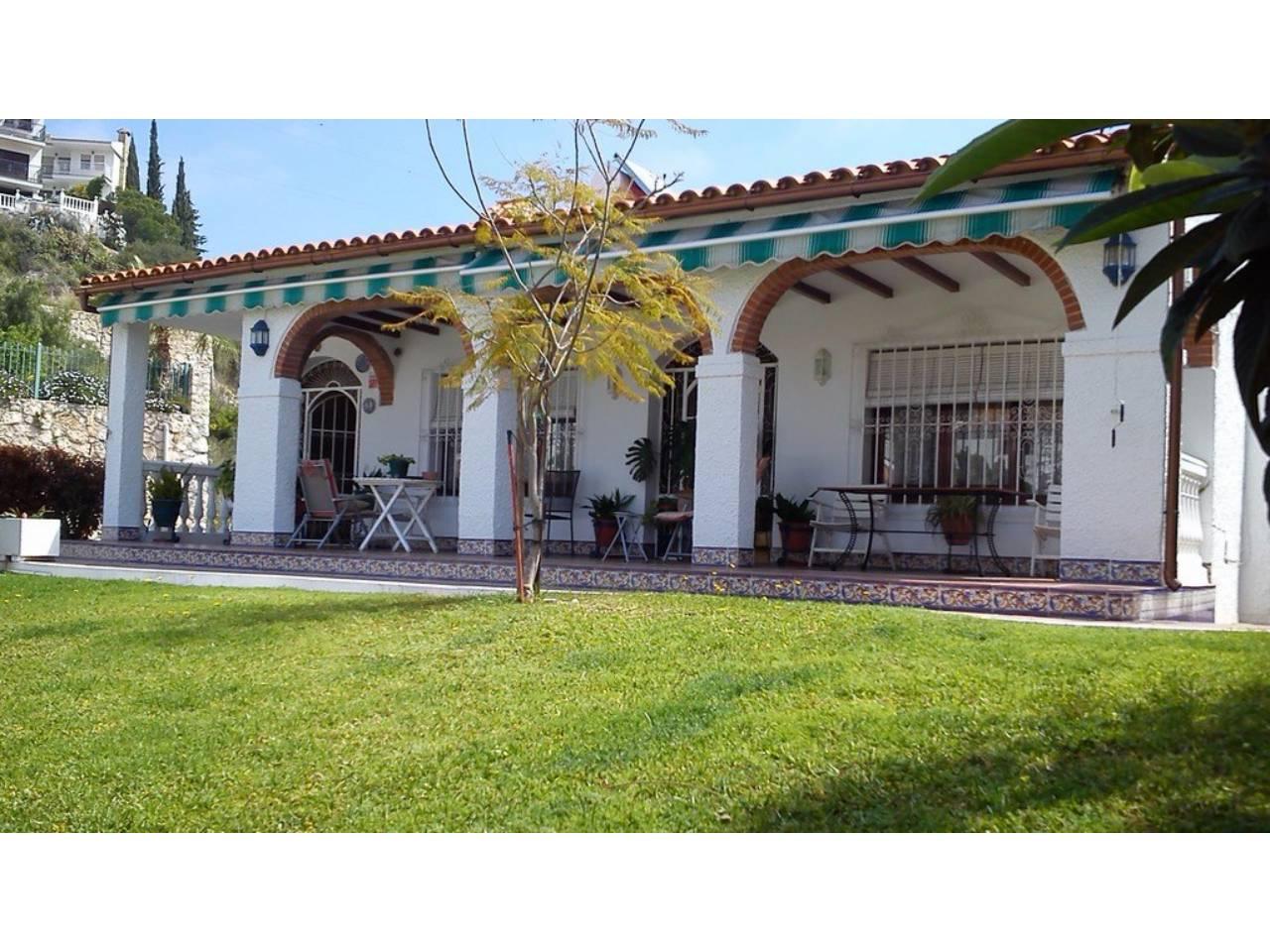 Casa en venta con 250 m2, 4 dormitorios  en Cala del Moral (Rincón de