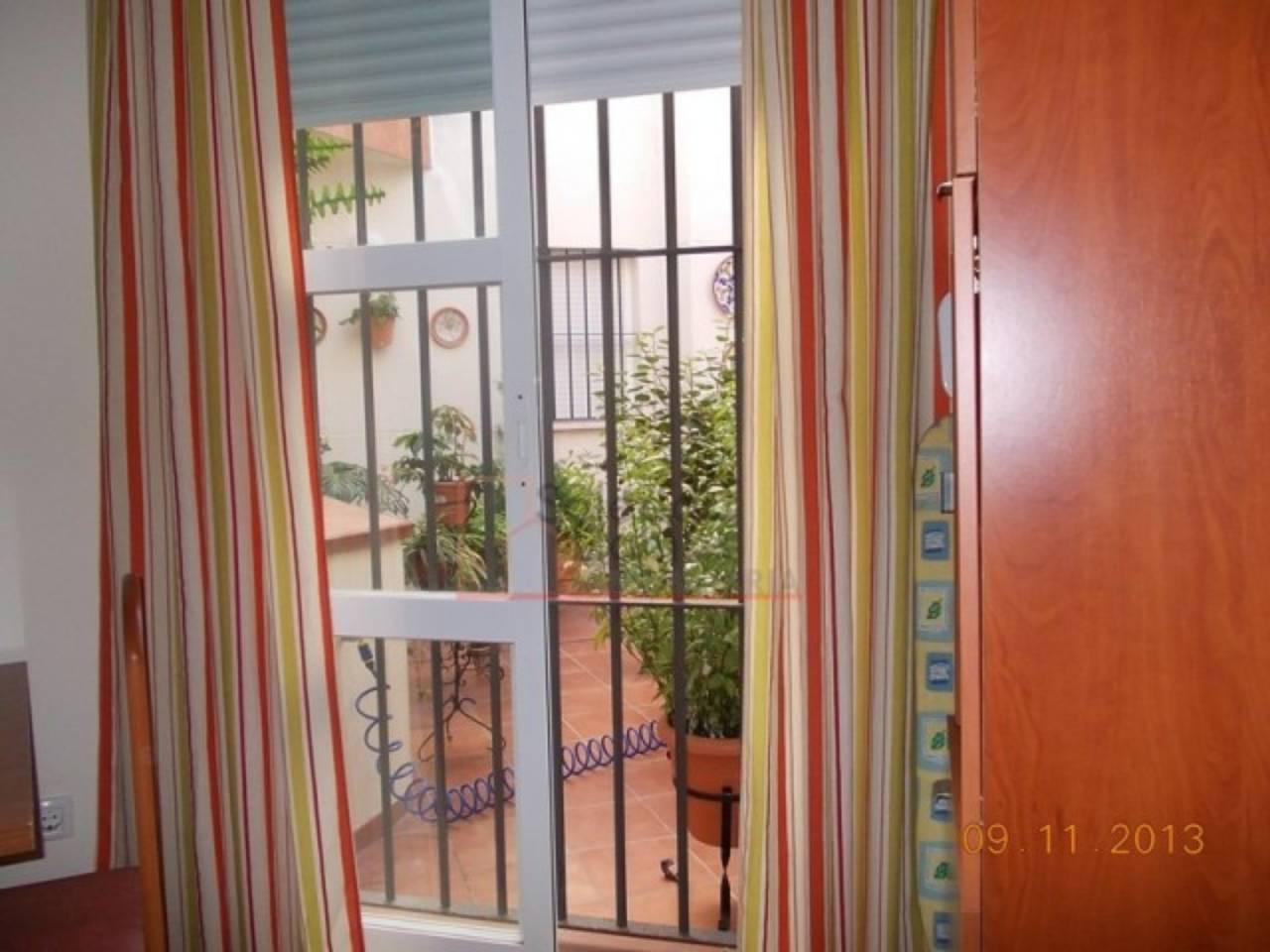 Piso en alquiler con 50 m2, 2 dormitorios  en Rota