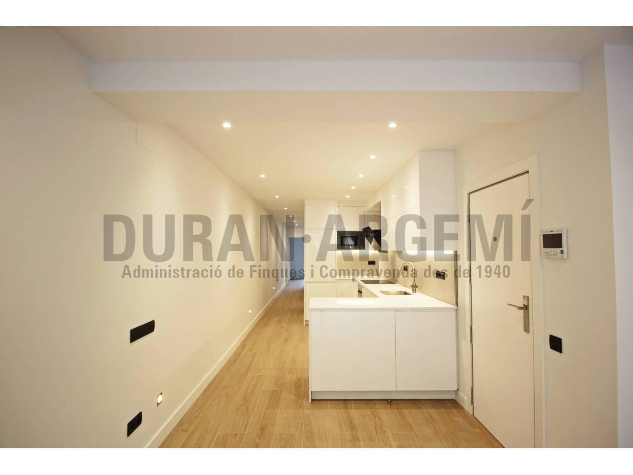 Fantástico piso en venta, totalmente reformado y para estrenar, en el centro de Terrassa