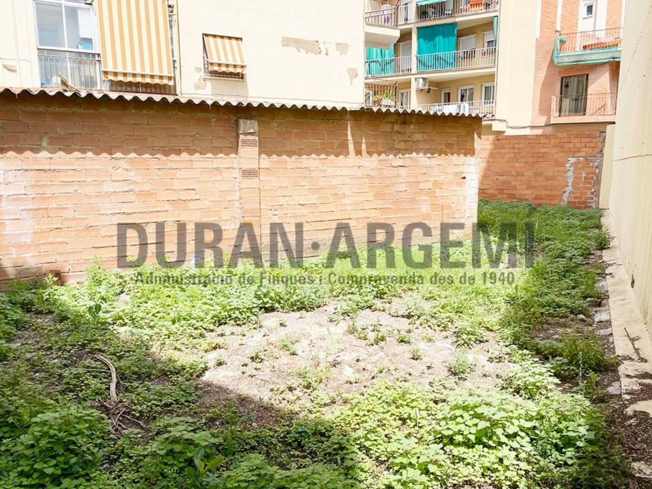 Terreno en venta en Antic Poble de Sant Pere