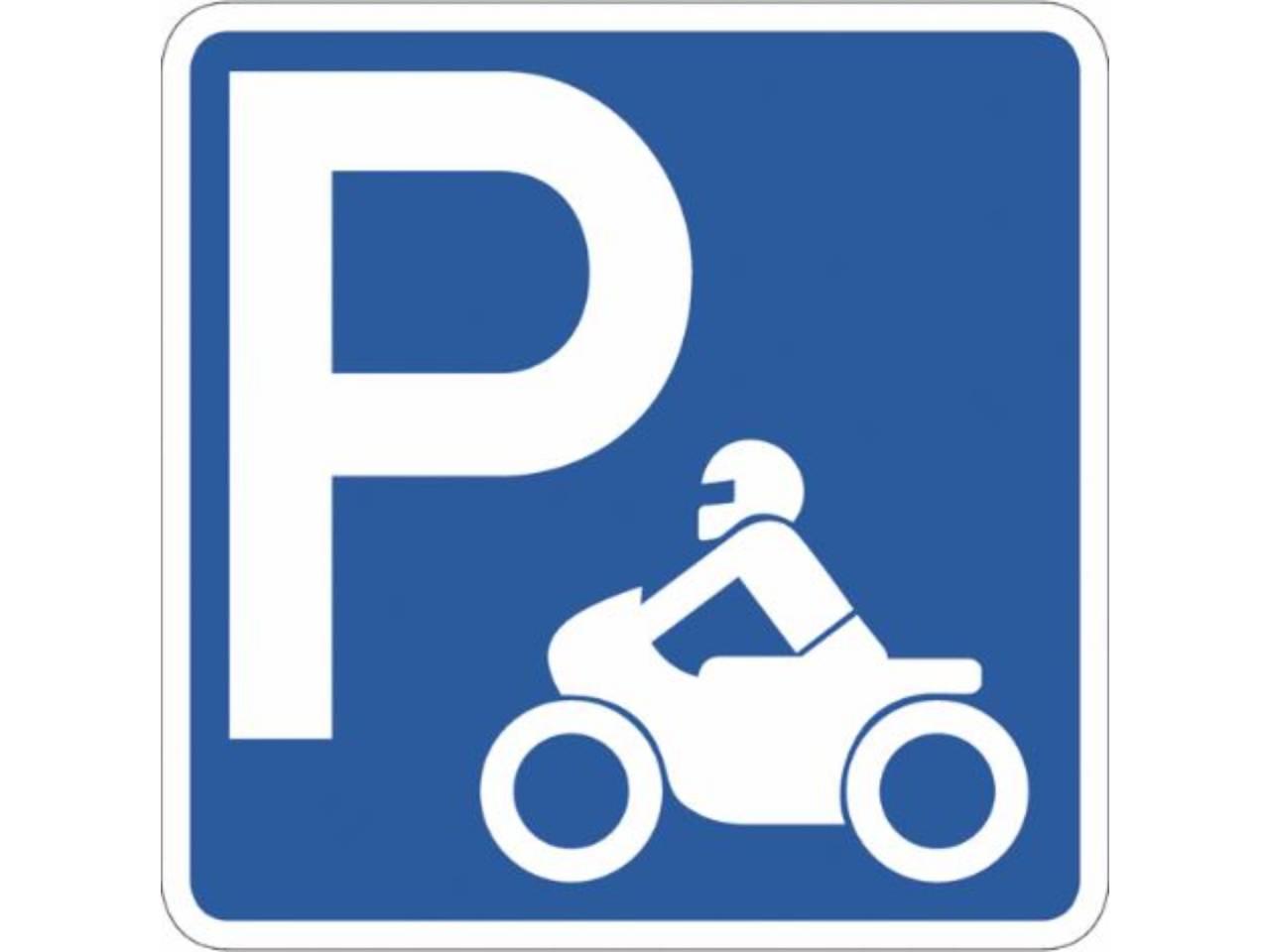 PLAZA DE PARQUING PARA MOTO