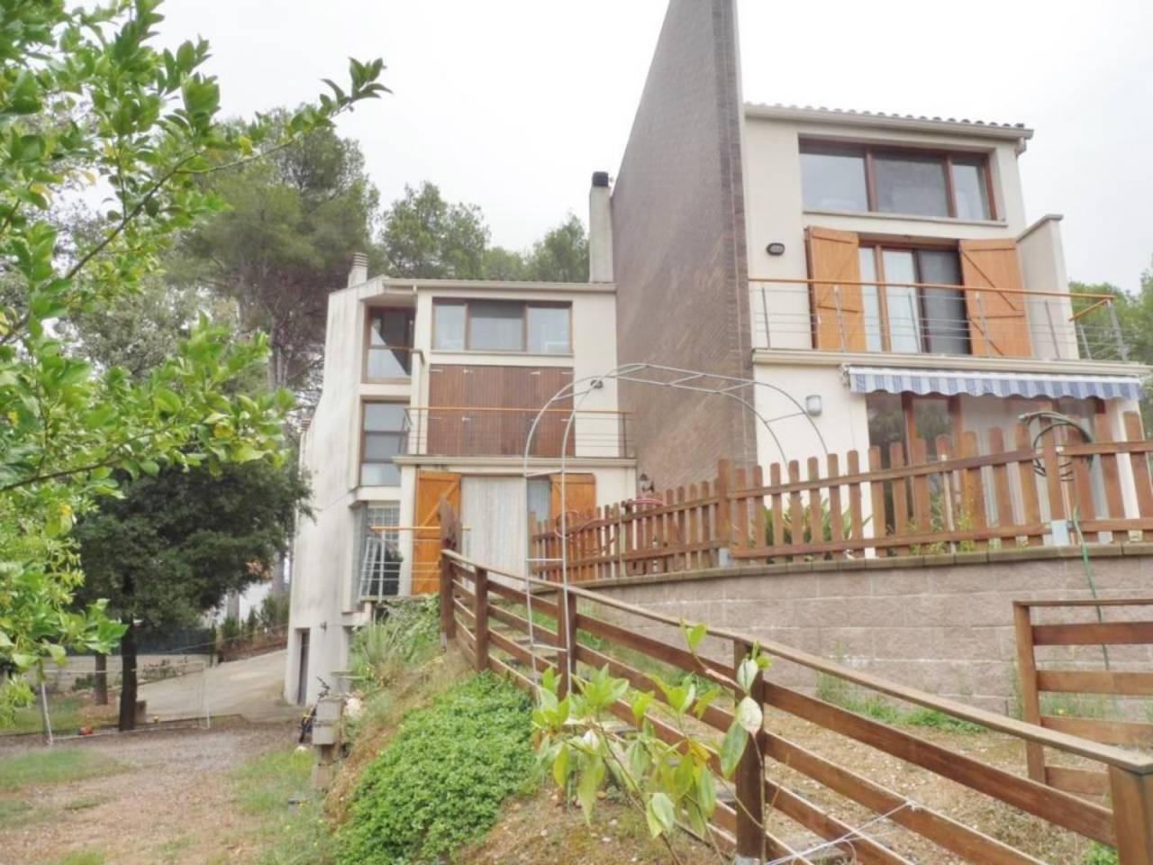 Casa en venda en Les Fonts - c/ Esquirols