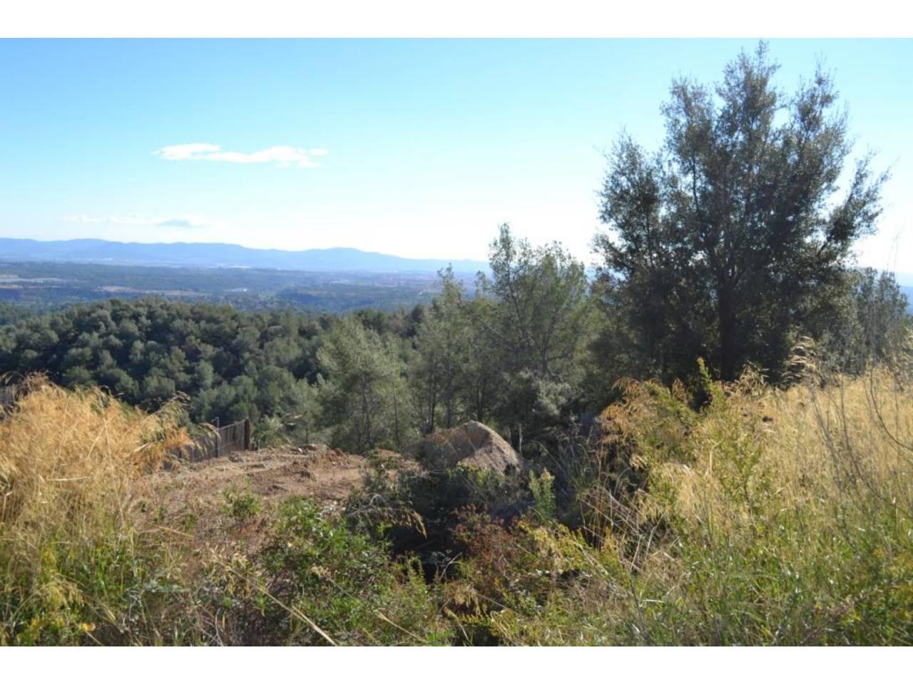Terreny en venda en Matadepera - c/ Avellaner