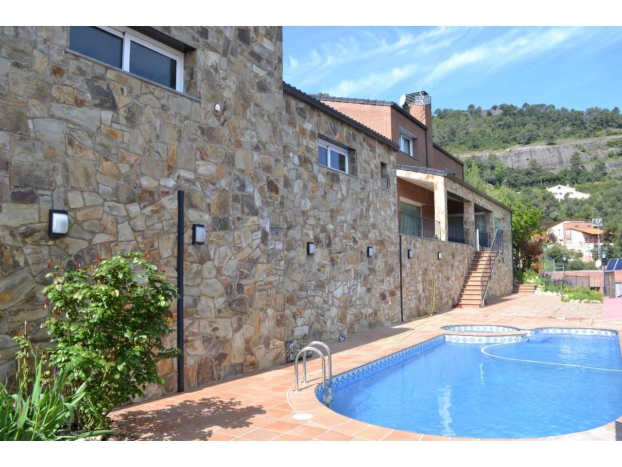 Casa en Matadepera con piscina - Les Pedritxes