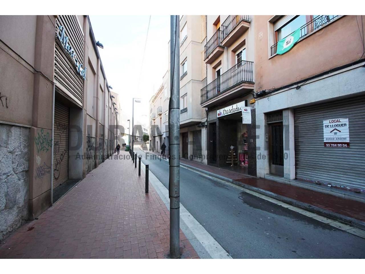 Local comercial en alquiler cerca de Plaça Vella