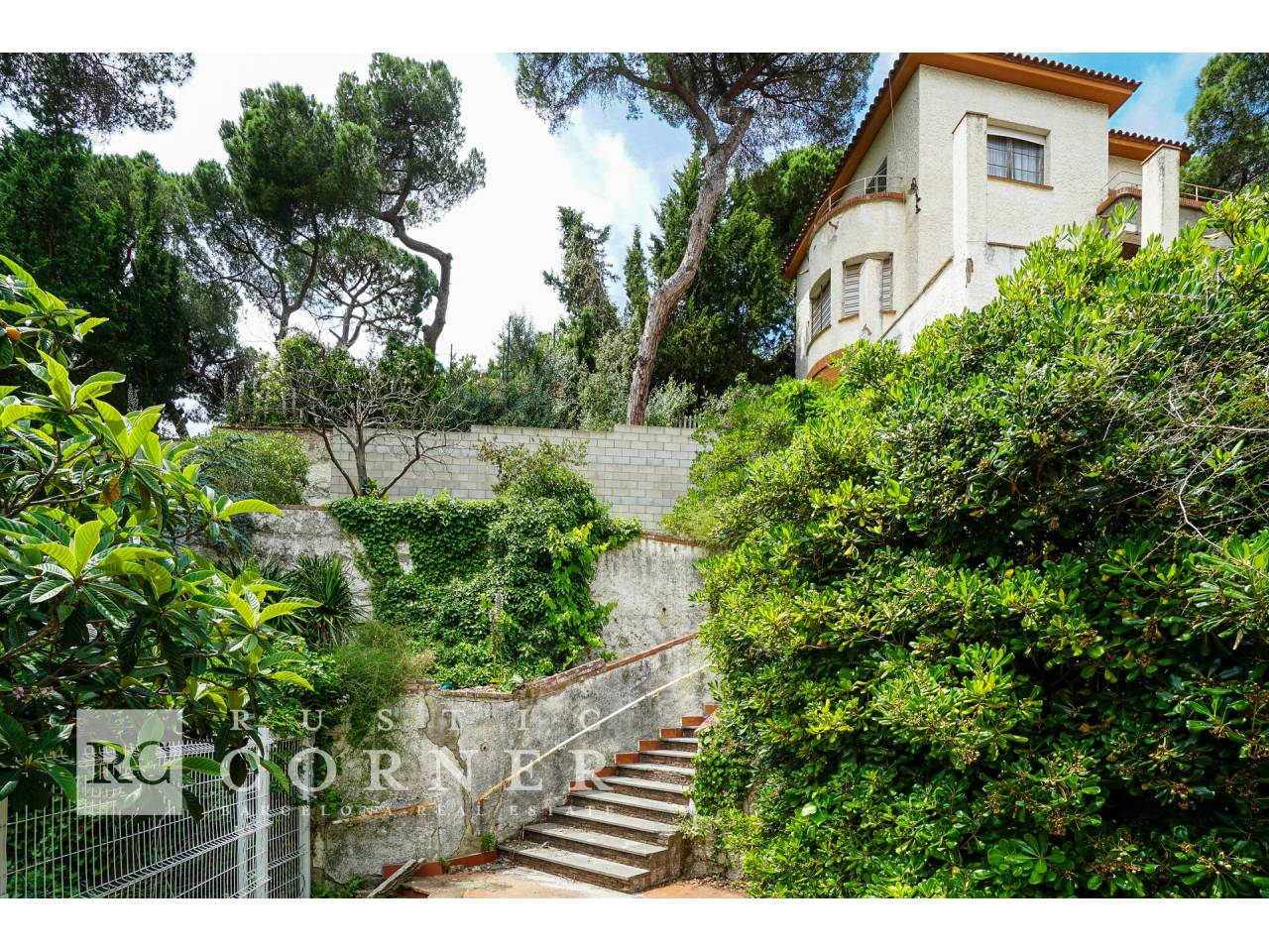 House with many possibilities in Sarrià