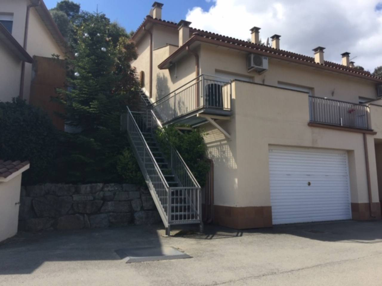 Townhouse for sale in Bigues