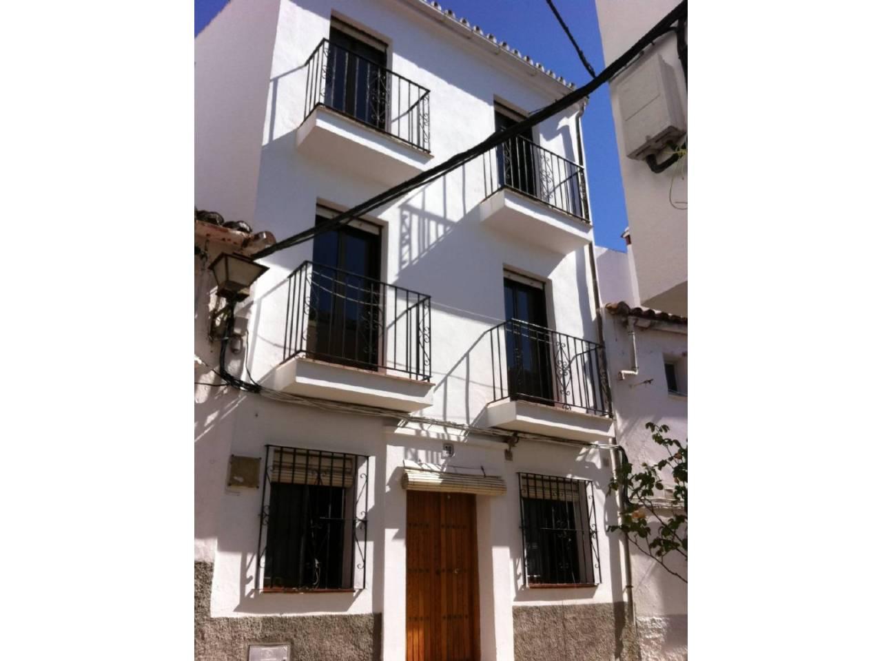 Casa en venta en Jubrique en JUBRIQUE, Calle: Llanada
