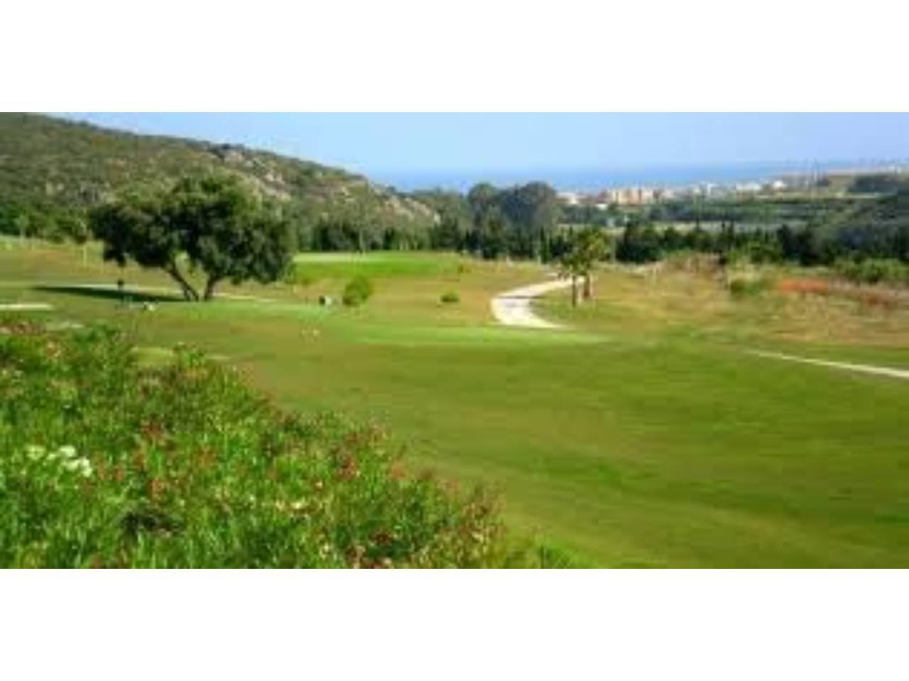 Parcela en venta en Casares en casares golf, Urbanización: casares country golf