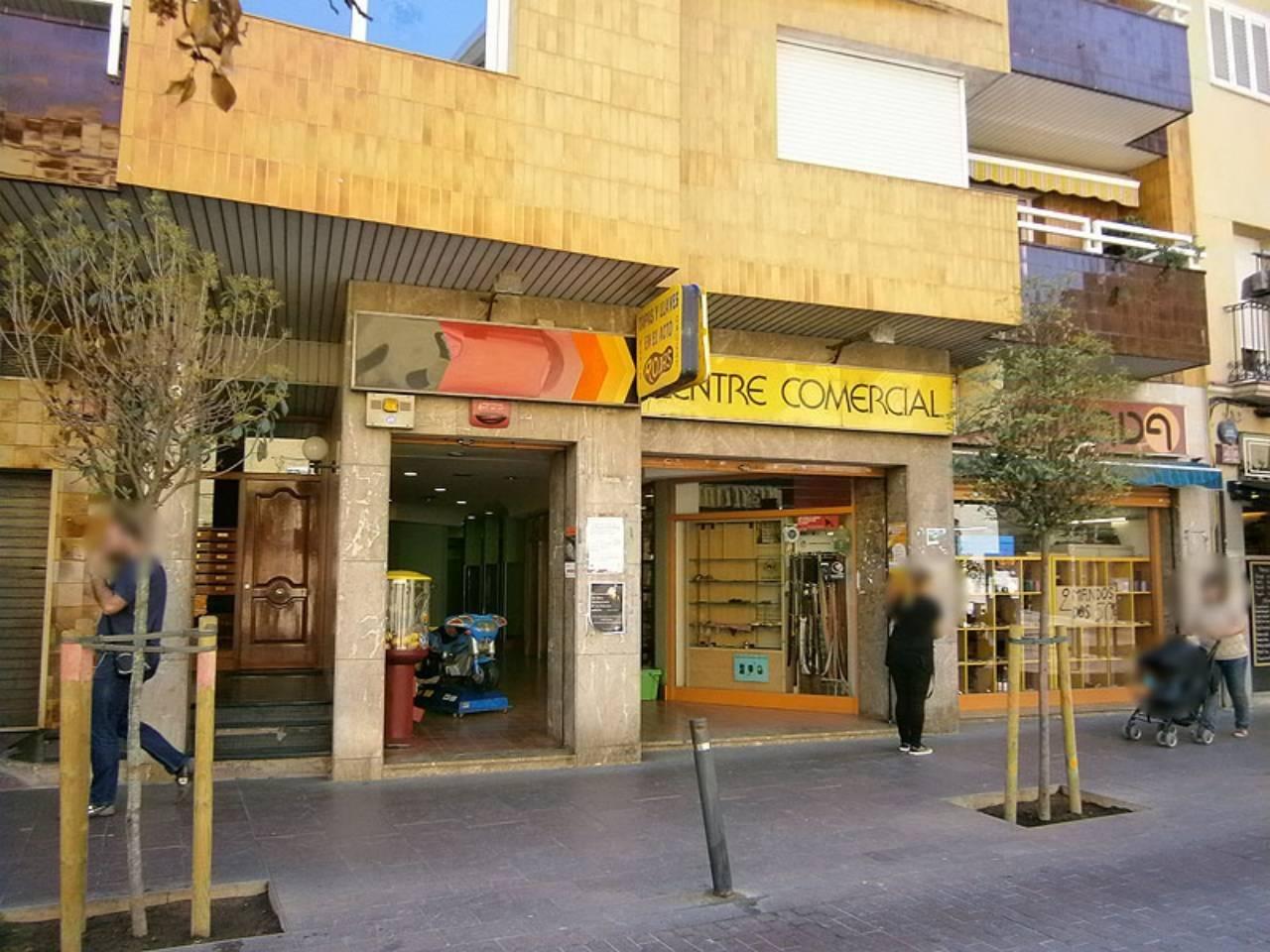 Local comercial en alquiler La Ribera (Montcada i Reixac)