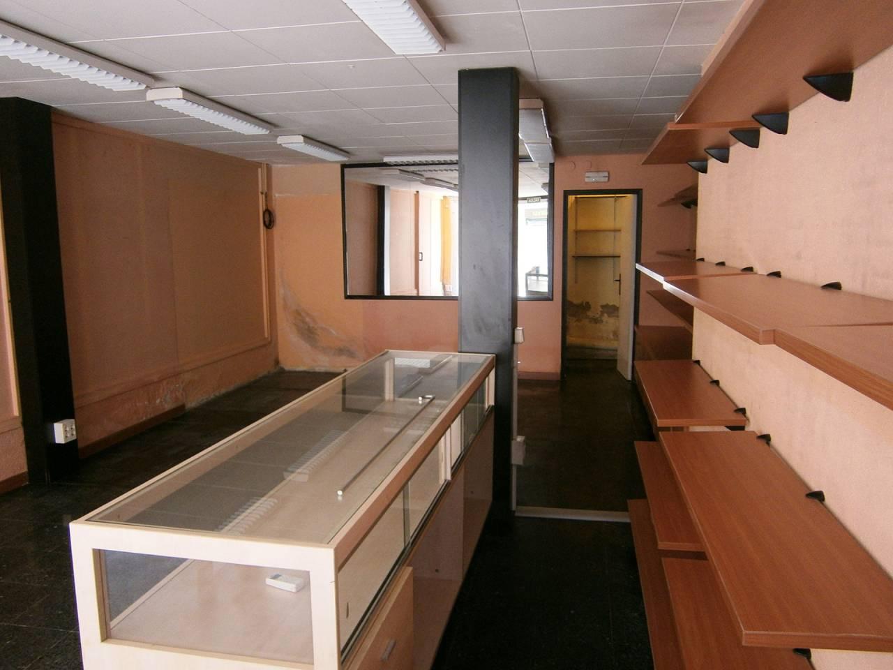 Local comercial en alquiler Estruch-Eixample (El Prat de Llobregat)