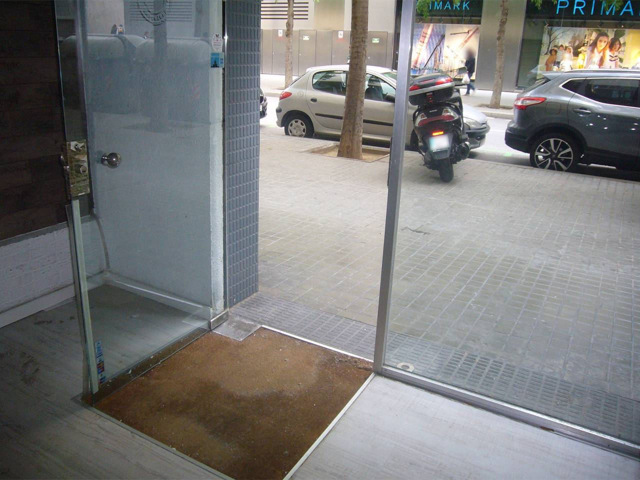 Local comercial en alquiler Les Corts (Barcelona Capital)