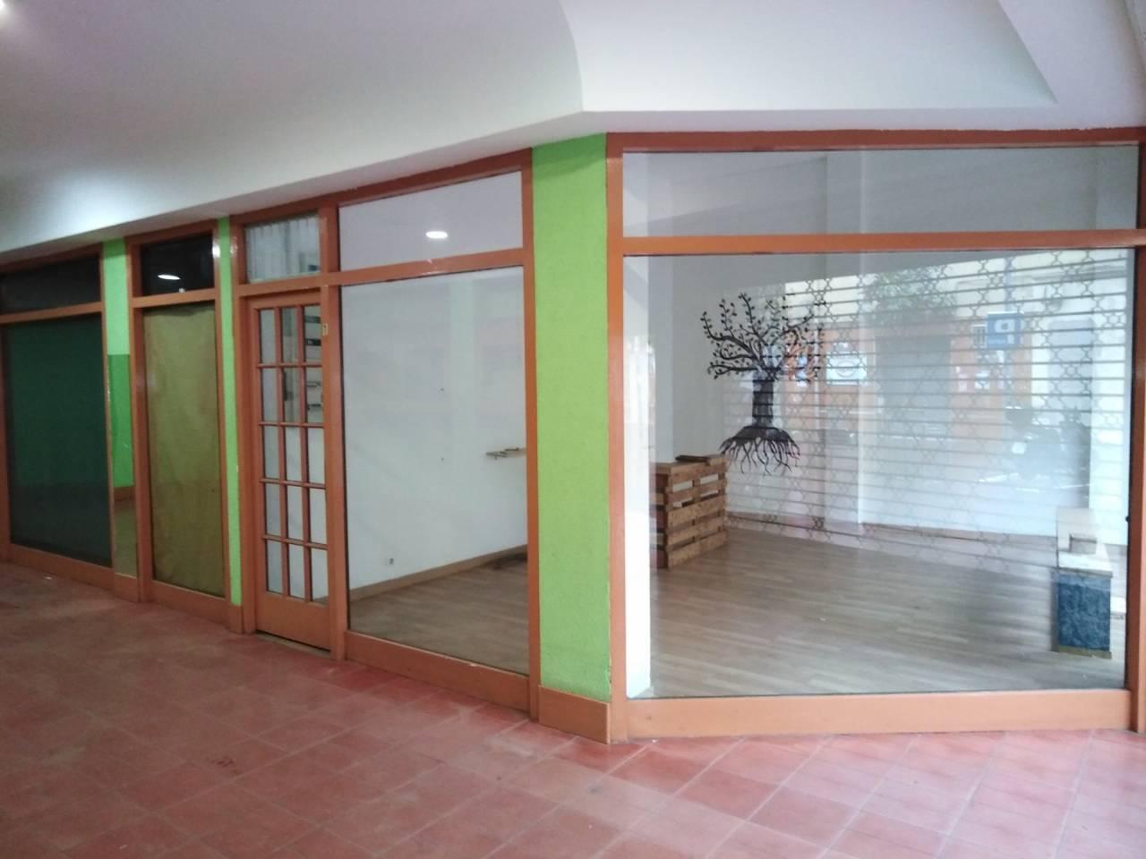 Local comercial en venta Can Cuiàs (Montcada i Reixac)