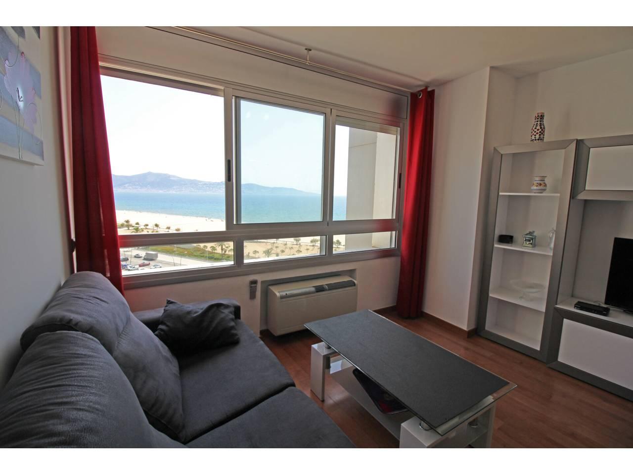 000003 - ANCORA  Квартира с видом на море и пляж EMPURIABRAVA