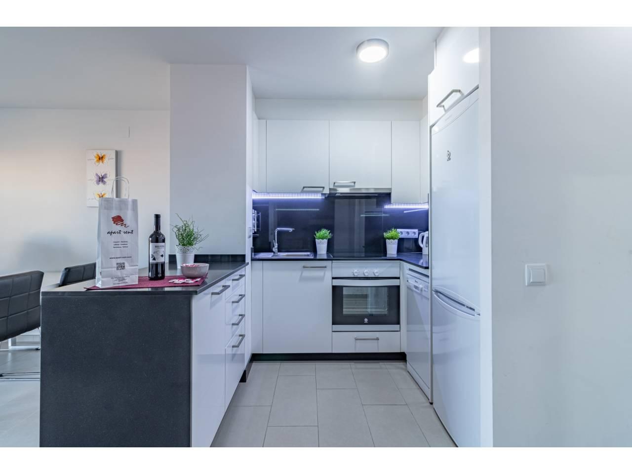 880175 - Apartment for short-term rental in Empuriabrava