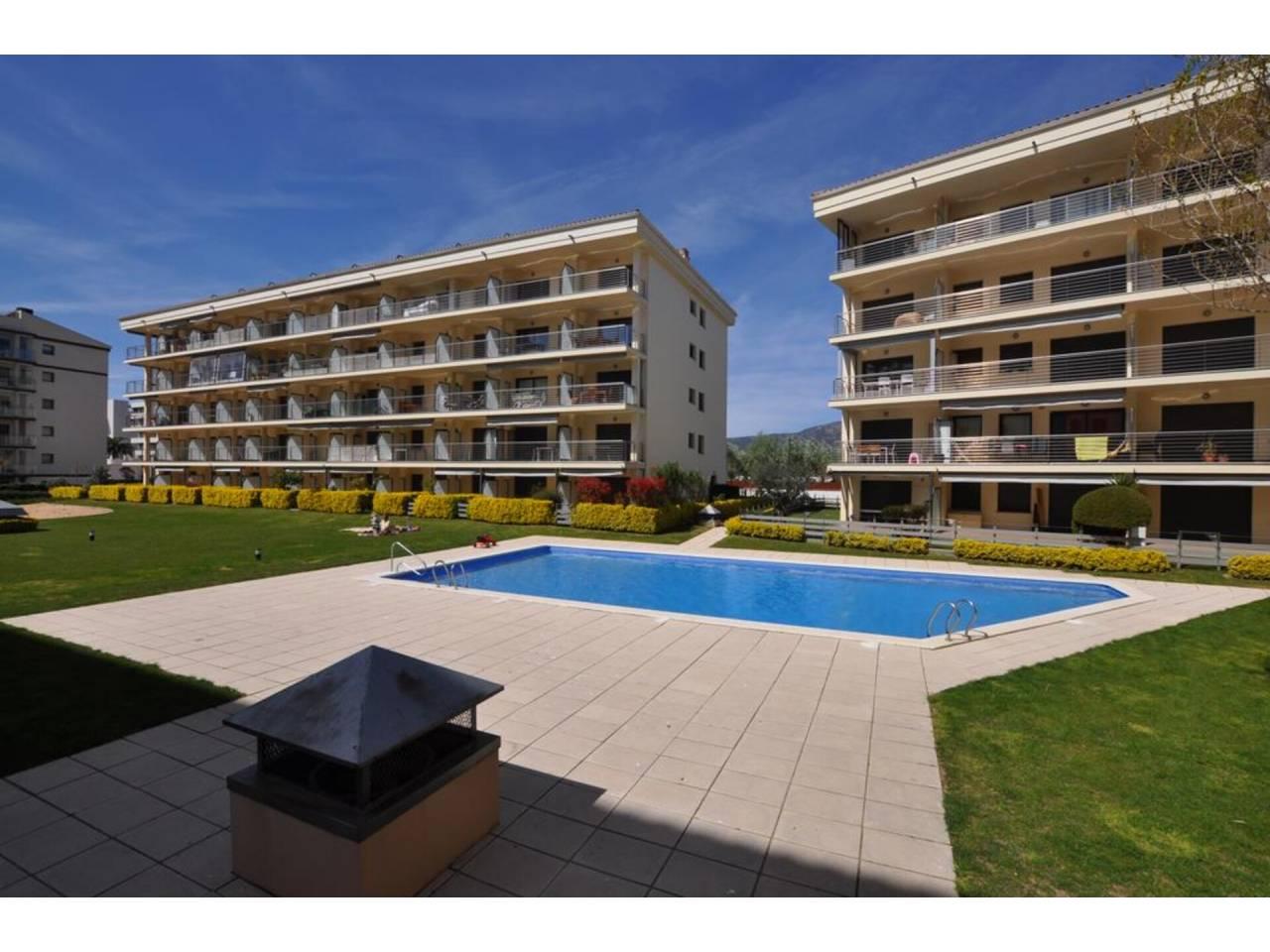 008703 - Appartement en location annuelle à Santa Margarita ( Roses)