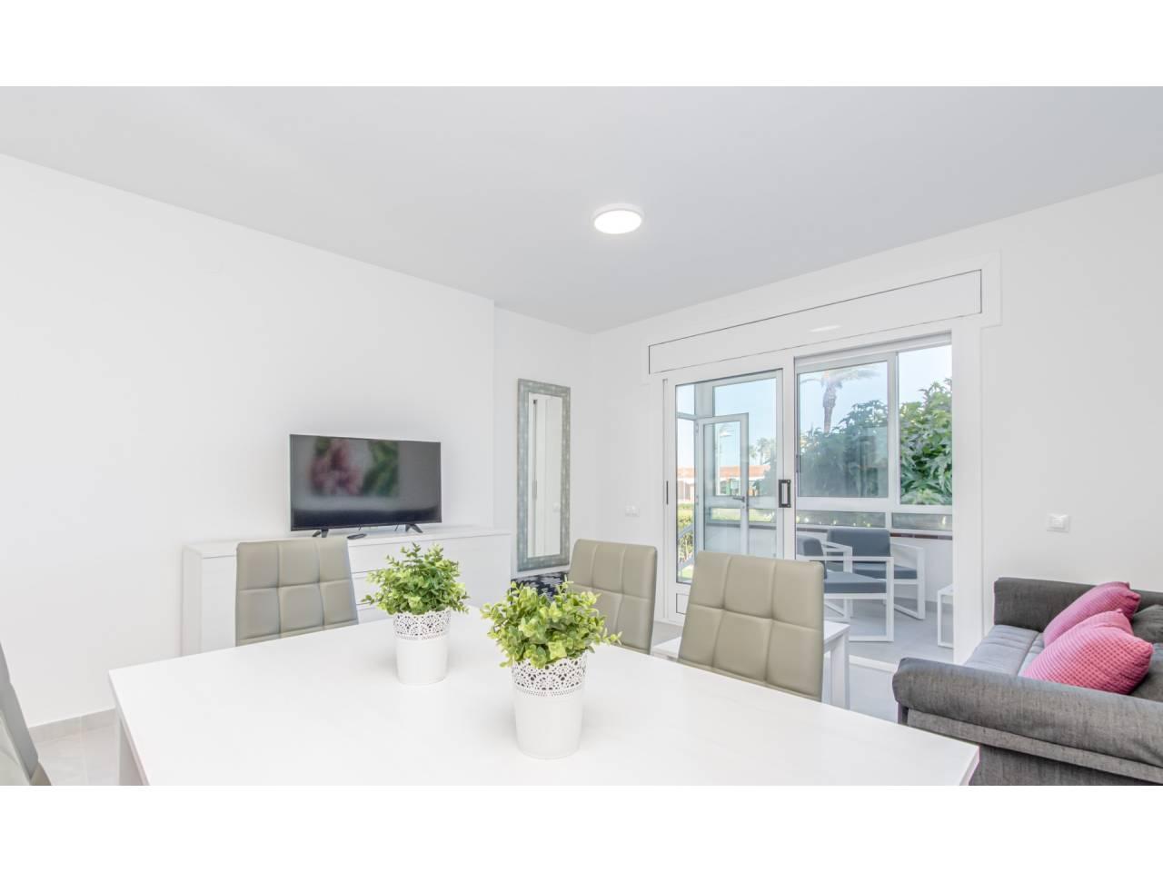 880025 - Apartment for short-term rental in Empuriabrava