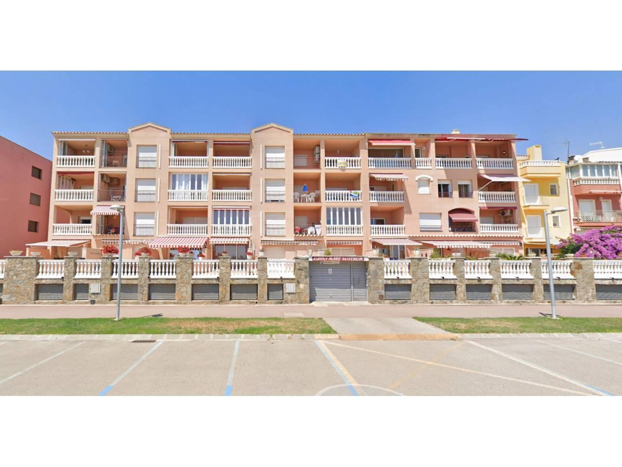008001 - Appartement en location annuelle à Empuriabrava
