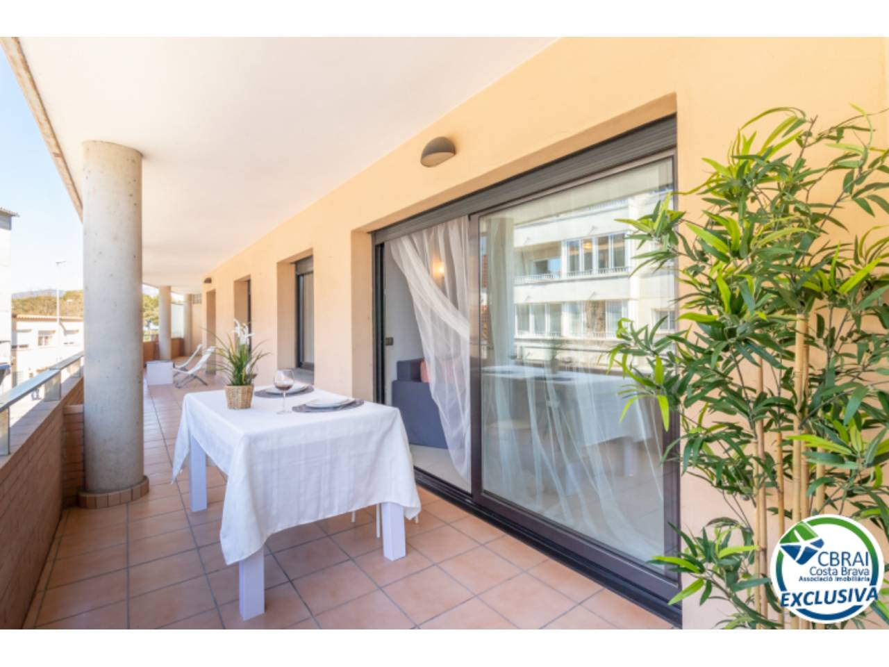 003011 - Modern apartment in the center of Roses with a large terrace