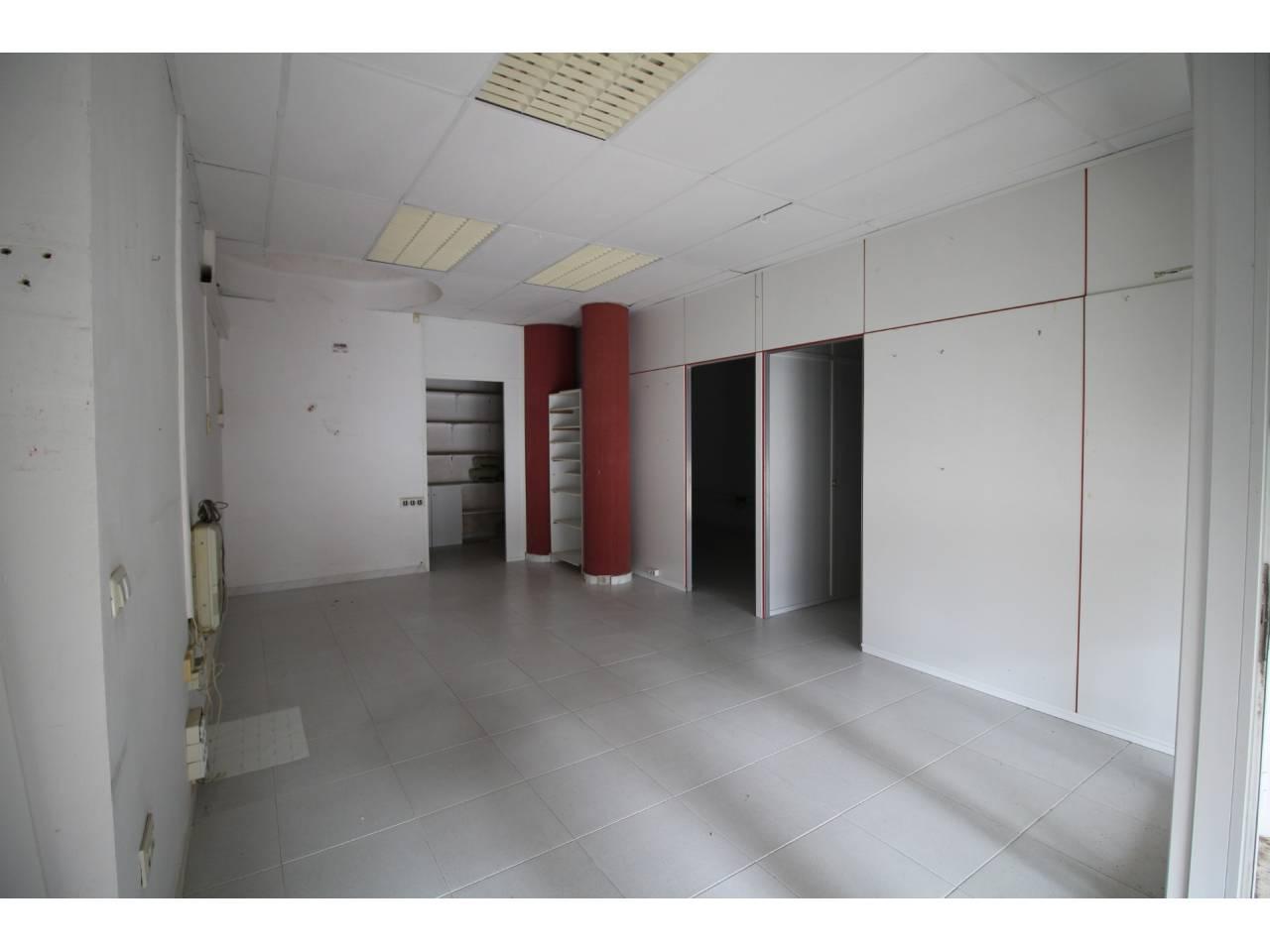005048 - CLUB NAUTIC Commercial Premise