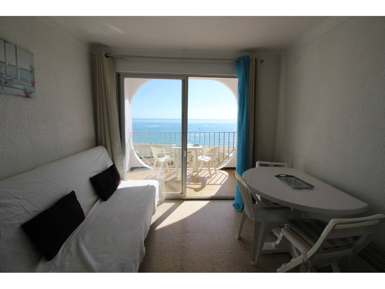 000008 - SYLVIA Studio with open room and seaview