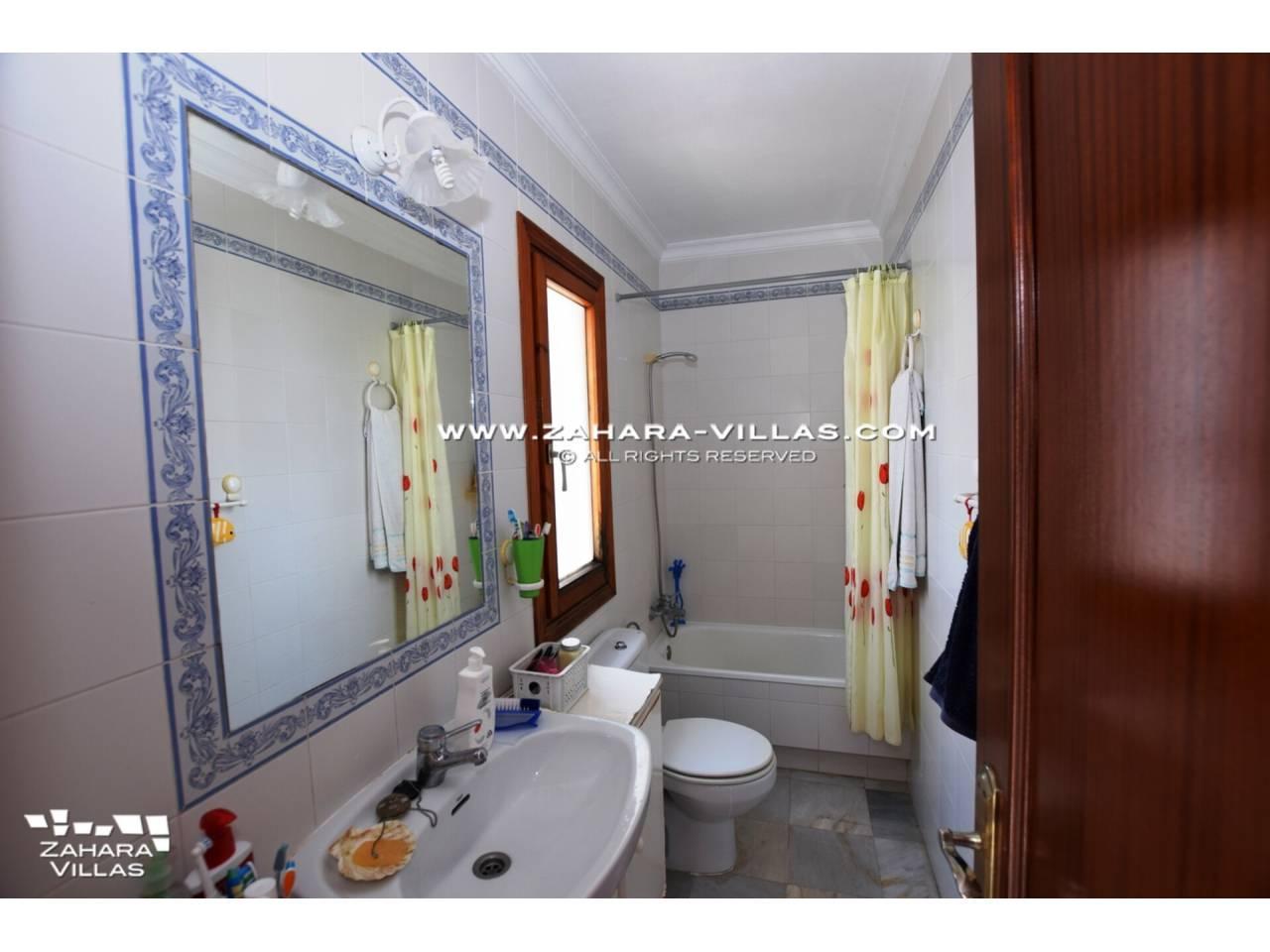 Imagen 22 de Casa en venta en segunda línea de playa, con vistas al mar en Zahara de los Atunes