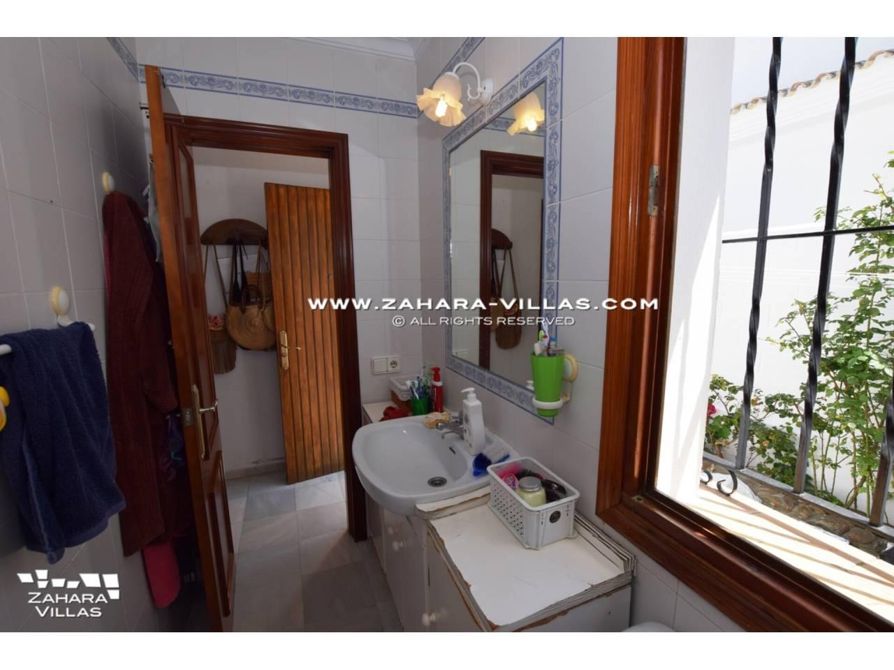 Imagen 19 de Casa en venta en segunda línea de playa, con vistas al mar en Zahara de los Atunes