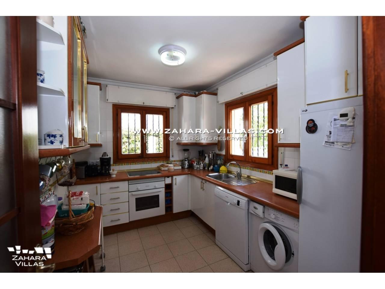 Imagen 16 de Casa en venta en segunda línea de playa, con vistas al mar en Zahara de los Atunes