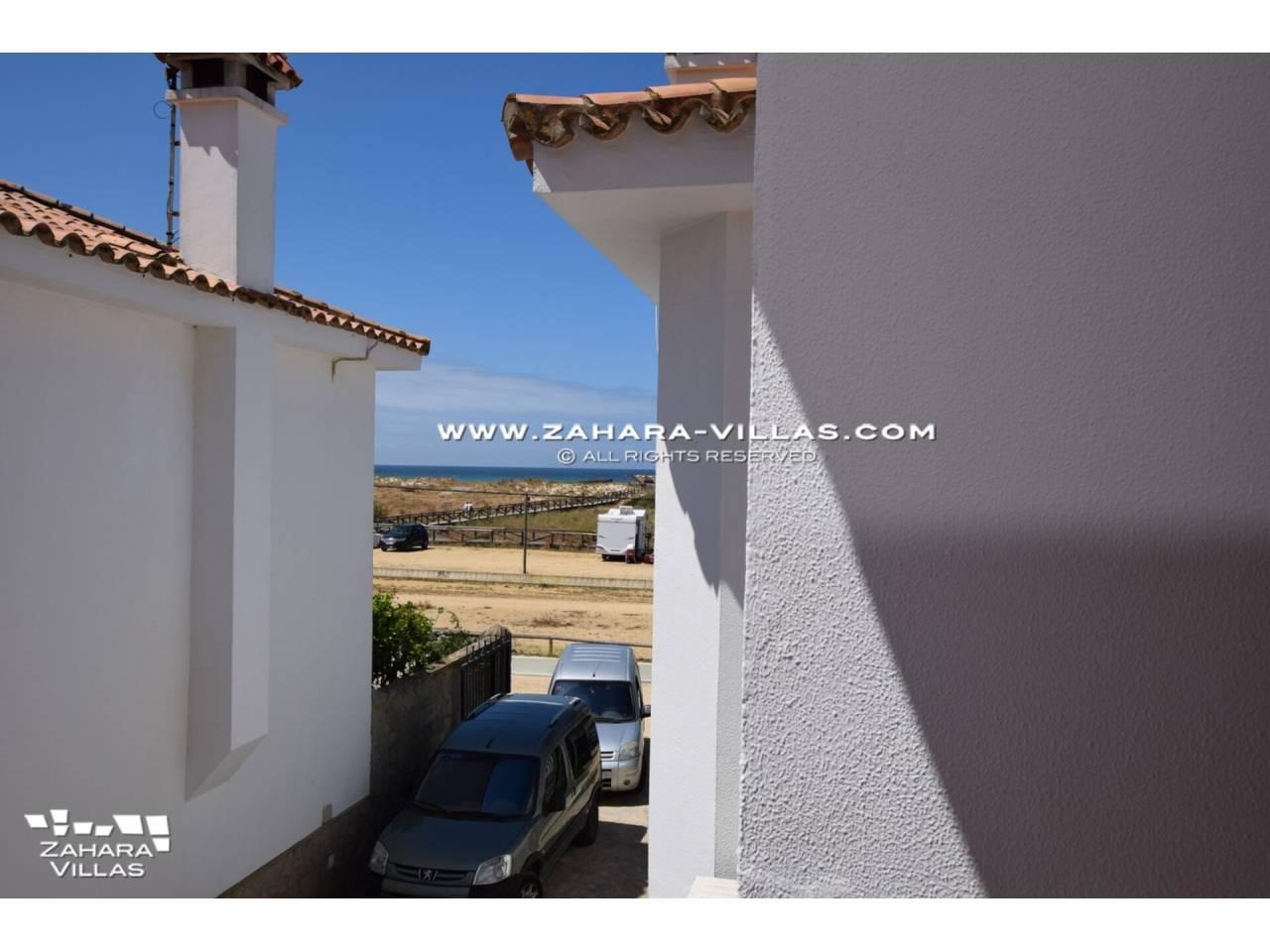 Imagen 32 de Casa en venta en segunda línea de playa, con vistas al mar en Zahara de los Atunes