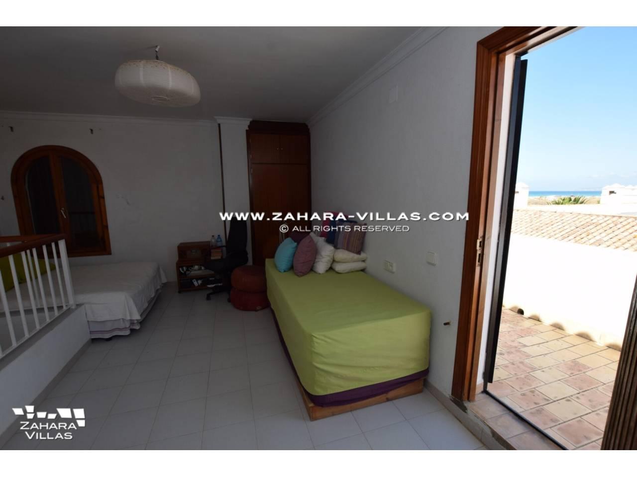 Imagen 33 de Casa en venta en segunda línea de playa, con vistas al mar en Zahara de los Atunes