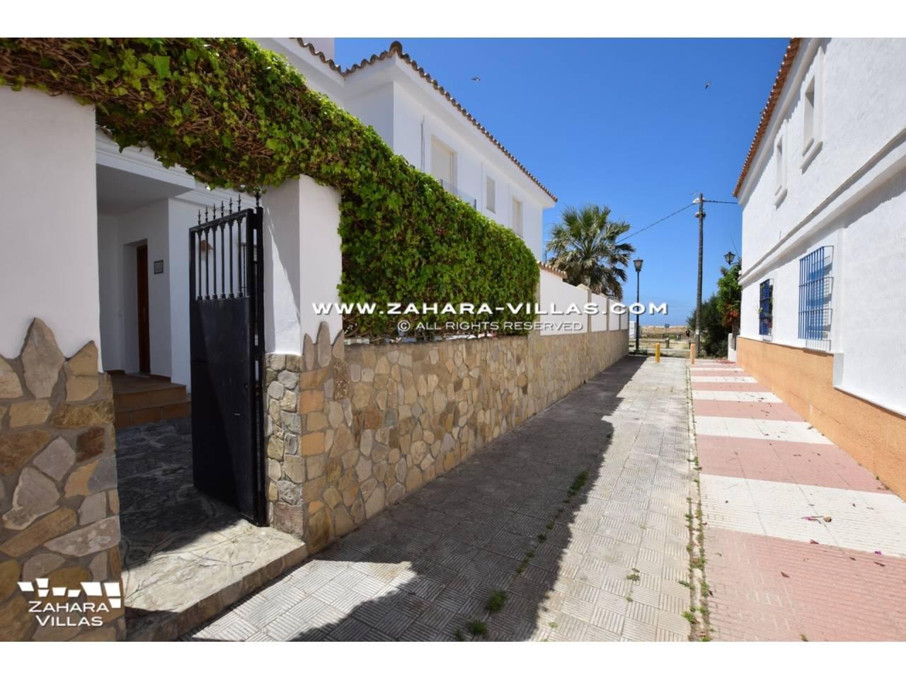 Imagen 4 de Casa en venta en segunda línea de playa, con vistas al mar en Zahara de los Atunes
