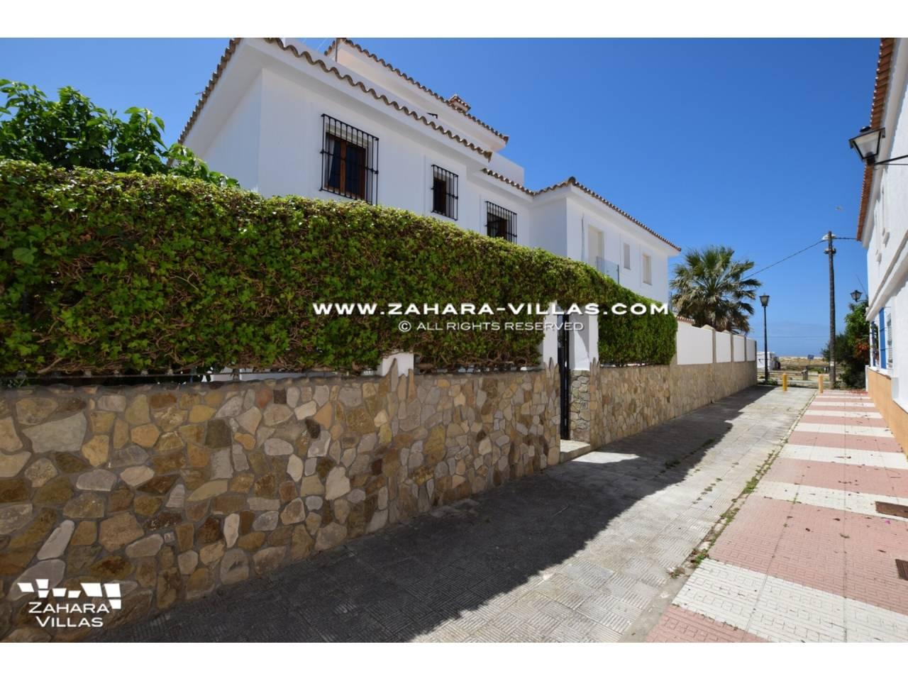 Imagen 2 de Casa en venta en segunda línea de playa, con vistas al mar en Zahara de los Atunes