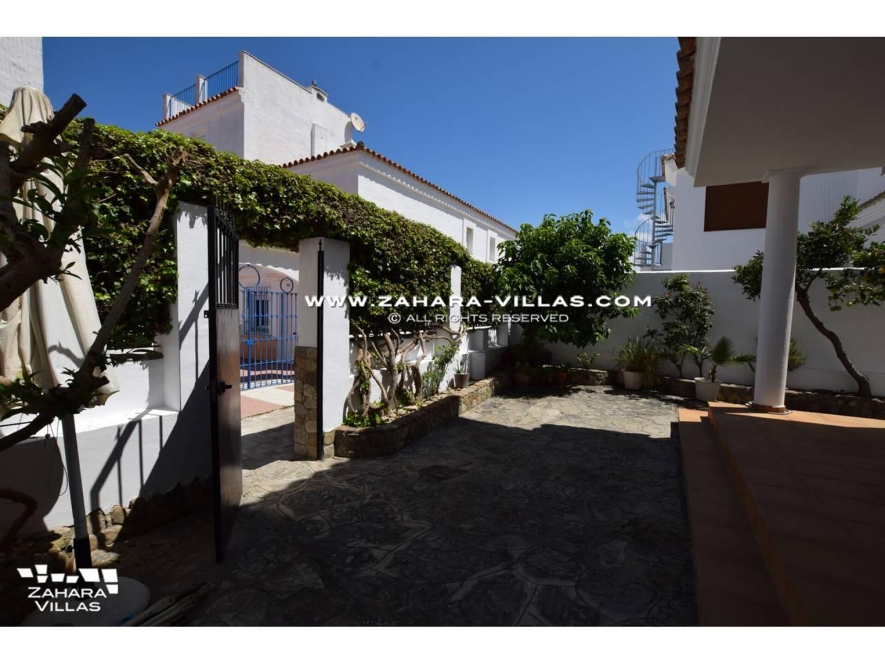 Imagen 8 de Casa en venta en segunda línea de playa, con vistas al mar en Zahara de los Atunes