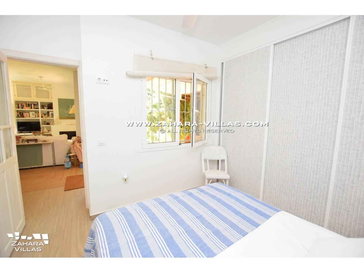 Imagen 21 de House for sale close to the beach, with sea views in Zahara de los Atunes