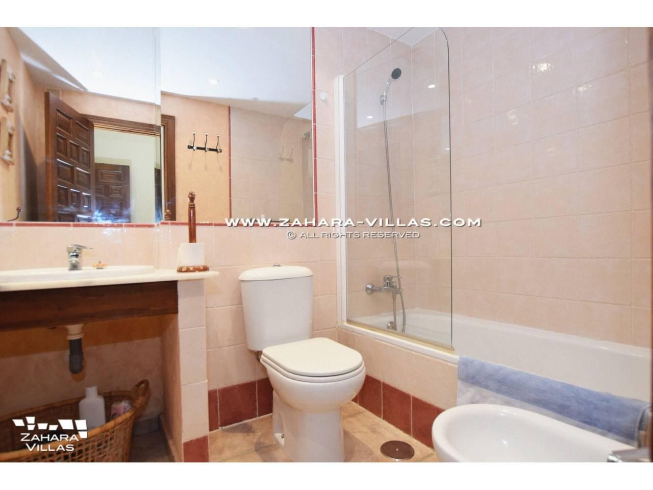 Imagen 9 de Coqueto apartamento en venta en urbanización Jardines de Zahara - Atlanterra
