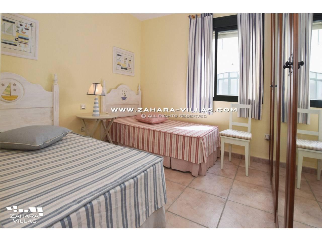 Imagen 11 de Coqueto apartamento en venta en urbanización Jardines de Zahara - Atlanterra