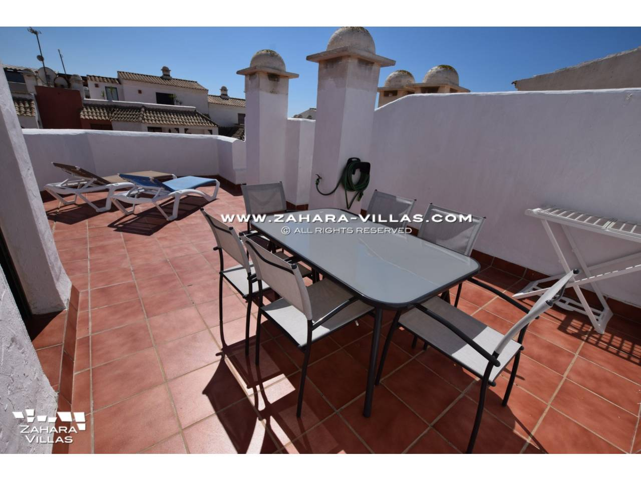 Imagen 2 de Penthouse apartment with excellent views to the sea.