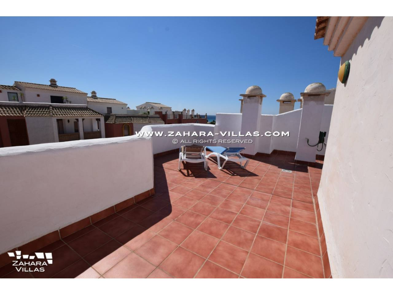 Imagen 3 de Penthouse apartment with excellent views to the sea.